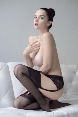 erotic massage in Cabarita